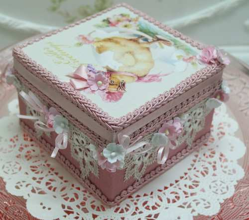 Bonnet Chick Music Box-bonnet chick music box, chick music box