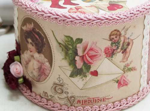 Gift Wrapping Hearts I-heart music box, valentines music box, romantic music box,