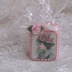 Lady In Green-Green Music Box