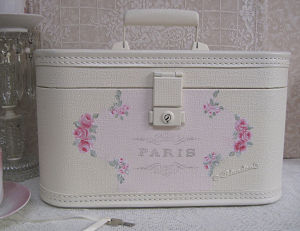 A1  Small Rose Train Case-Hand Painted Rose Train Case