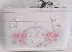 A2 Garden Rose Train Case-pink train case, pink luggage, rose painted case, hand painted roses