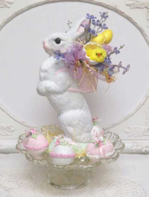 Yellow Egg Easter Bunny-Easter Bunny, Easter egg rabbit, Easter rabbit with basket